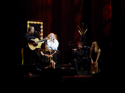kekeLMB_Lara_Fabian_Le_Secret_Theatre_du_Chatelet_Paris_2013_(2)