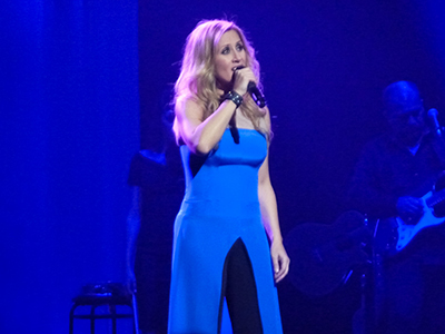 kekeLMB_Lara_Fabian_Le_Secret_Theatre_du_Chatelet_Paris_2013_(4)