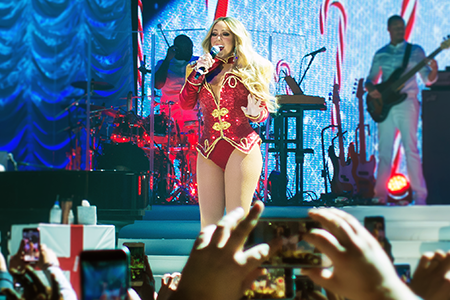 kekeLMB_Mariah_Carey_All_I_Want_For_Christmas_Tour_AccorHotels_Arena_Paris_2017_photo_6