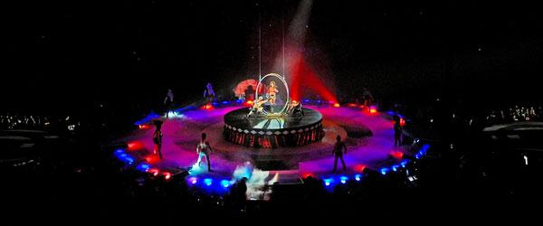 kekeLMB_Britney_Spears_The_Circus_Starring_Britney_Spears_Bercy_Paris_2009_(6)