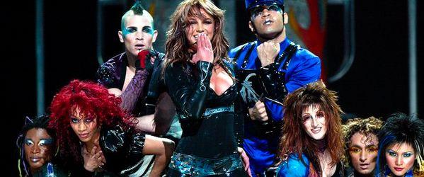 kekeLMB_Britney_Spears_The_Onyx_Hotel_Tour_Halle_Tony-Garnier_Lyon_2004_(7)
