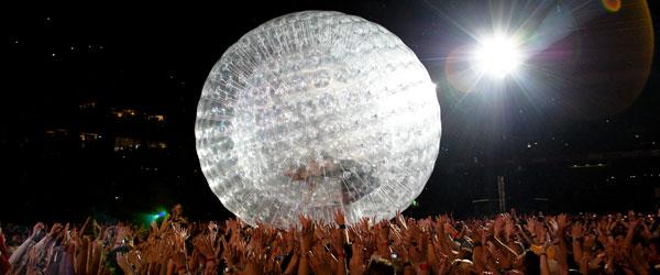 kekeLMB_P!nk_Funhouse_Summer_Carnival_Tour_Arenes_Nimes_2010_(5)