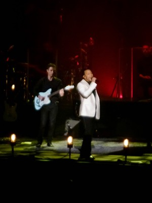kekeLMB_John_Legend_All_of_Me_Tour_Zenith_Paris_2014_(2)