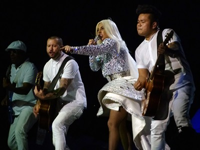 kekeLMB_Lady_Gaga_artRAVE_The_ARTPOP_Ball_Zenith_Paris_2014_(4)