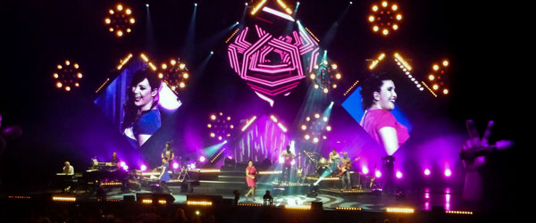kekeLMB_The_Voice_Tour_2012_Zenith_Paris_2012_(2)