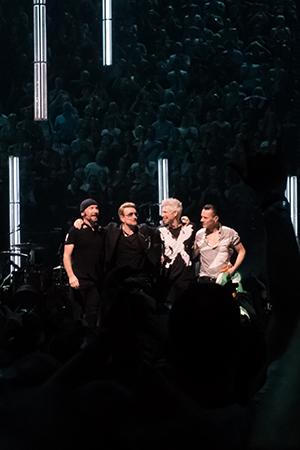 kekeLMB_U2_iNNOCENCE_eXPERIENCE_Tour_Bercy_Paris_2015_4
