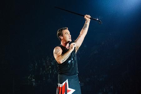 kekelmb_Robbie_Williams_Heavy_Entertainment_Show_AccorHotelsArena_Paris_1