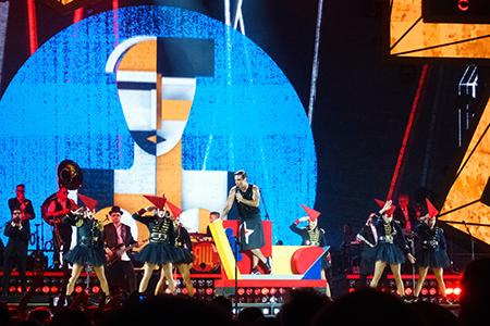 kekelmb_Robbie_Williams_Heavy_Entertainment_Show_AccorHotelsArena_Paris_4
