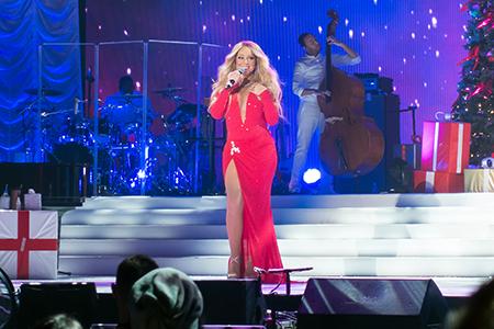 kekeLMB_Mariah_Carey_All_I_Want_For_Christmas_Tour_AccorHotels_Arena_Paris_2017_photo_4