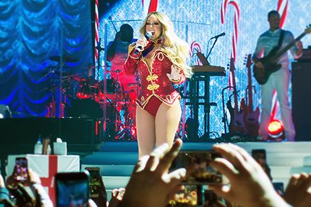 kekeLMB_Mariah_Carey_All_I_Want_For_Christmas_Tour_AccorHotels_Arena_Paris_2017_photo_6